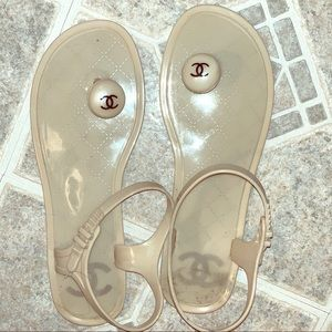 Used Chanel jelly toe sandals